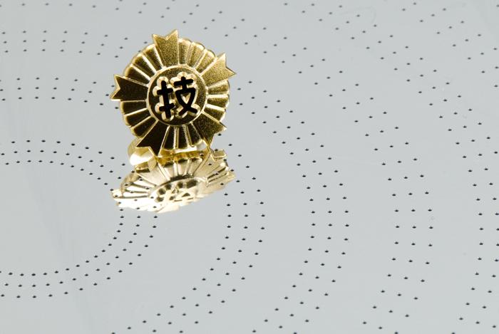 Ảnh phóng to mặt sau của tấm hút wafer silicon đường kính 0,5mm